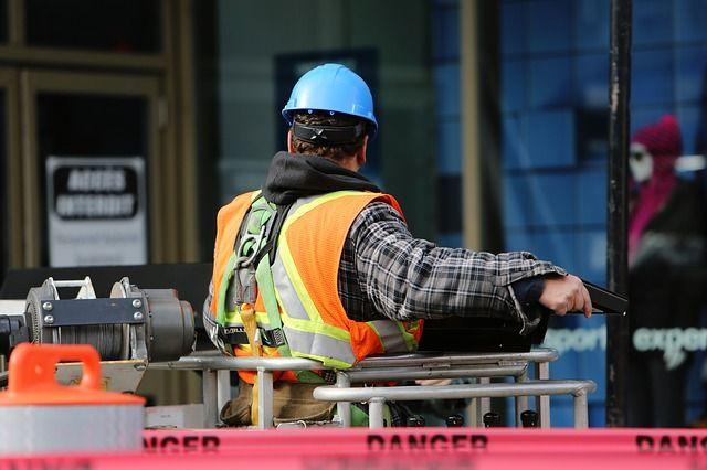 bouwvakker-met-helm